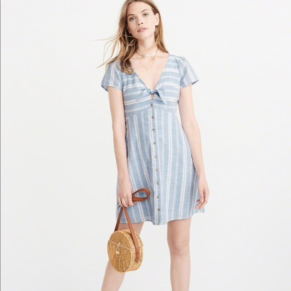 d7e789bb13c Abercrombie and Fitch knot front dress